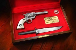 Knife and Pistol set for Robert Duvall